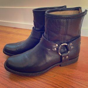 Frye Phillip Harness Boot Short